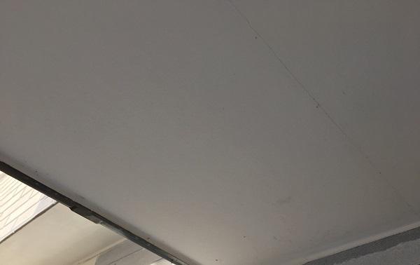 栃木県日光市 外壁塗装 付帯部塗装 軒天 ケレン作業 目荒らし(目粗し)